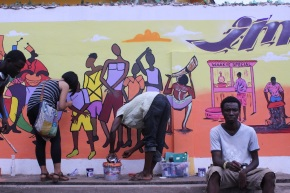 """It's not a wall, it's a mural! Youth and artists """"Imagine Accra"""" in Kandacommunity"""